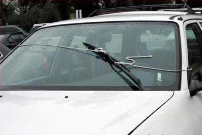 funny-Car-Wiper-Pulley1